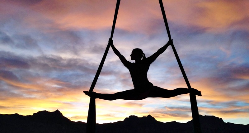 yoga aereo 88 (yoga con amba))
